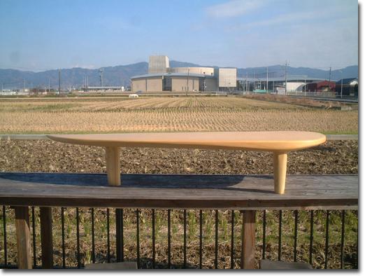つたい歩きのローテーブル