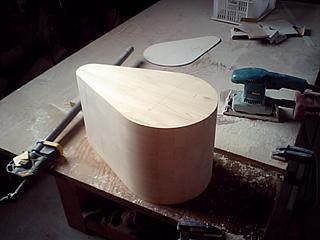 募金箱の木型