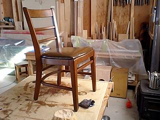 あんずの椅子