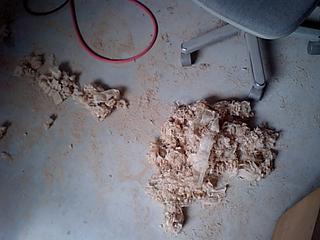 ミーティングテーブル天板を削る